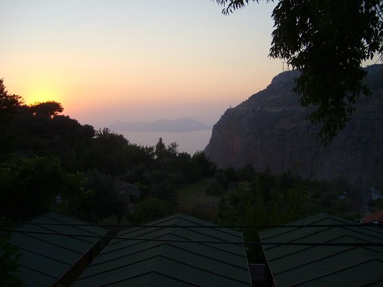 Onur Motel: Sunset view from dining hall