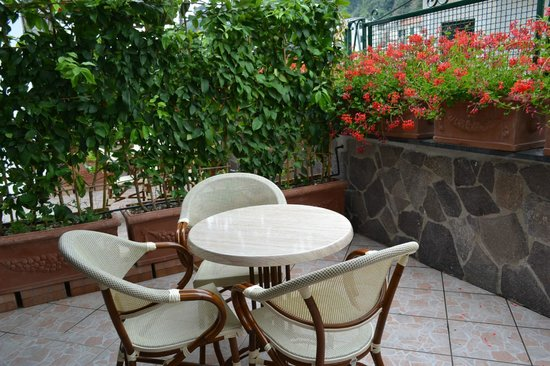 Villa Adriana Amalfi B&B: Терраса