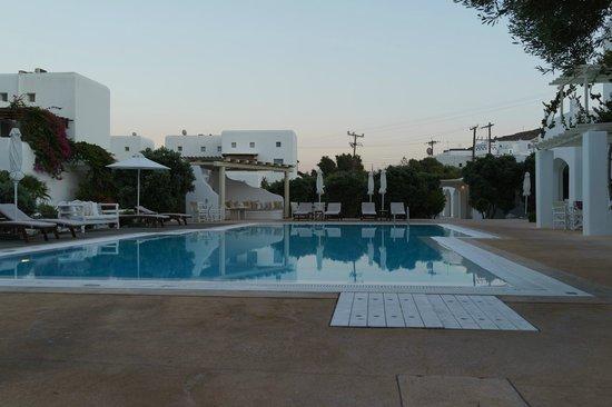 Corfos Hotel: プール