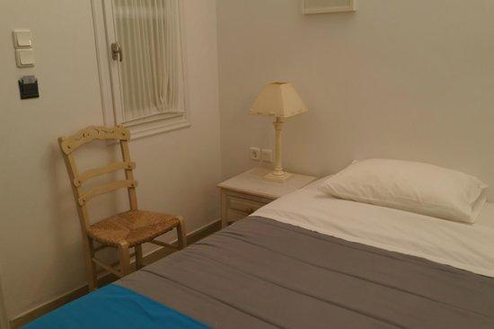 Corfos Hotel: ダブルベッド