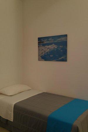 Corfos Hotel: シングルベッド