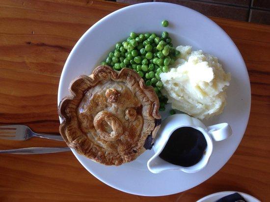 Cliffhanger Cafe: Cliffhanger Steak pie