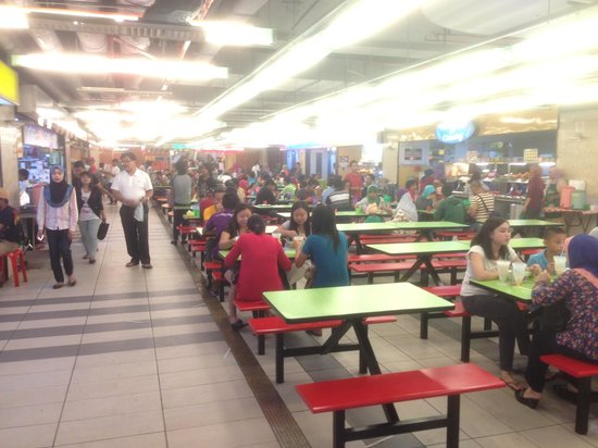 Centre Point Sabah: Food court