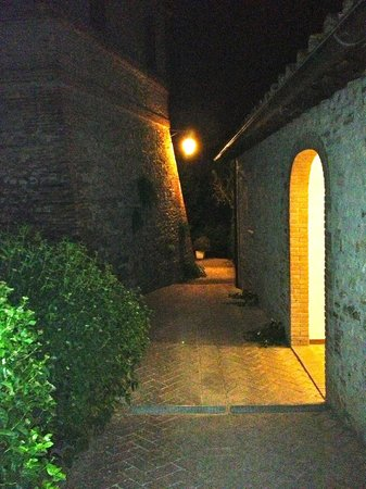 La Rocca di Mantignana: Ingresso Fienile