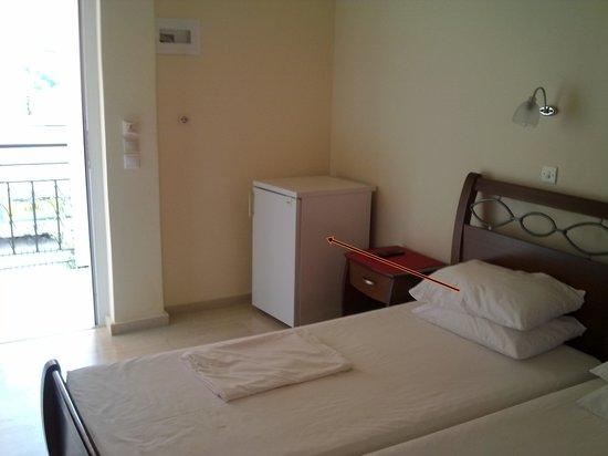 Xenia Apartments: refrigerator