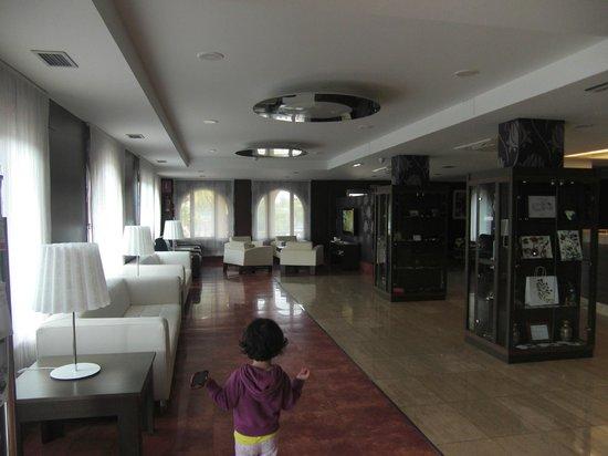 Blanco Hotel Spa: Recepción