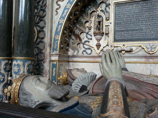 Collegiate Church of St Mary's: The tomb of Robert Dudley, Earl of Leicester, and his wife Lettice Knollys