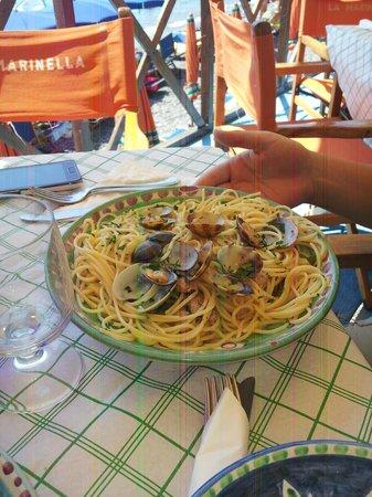 Spiaggia Bar Ristorante La Marinella: spaghetti con vongole
