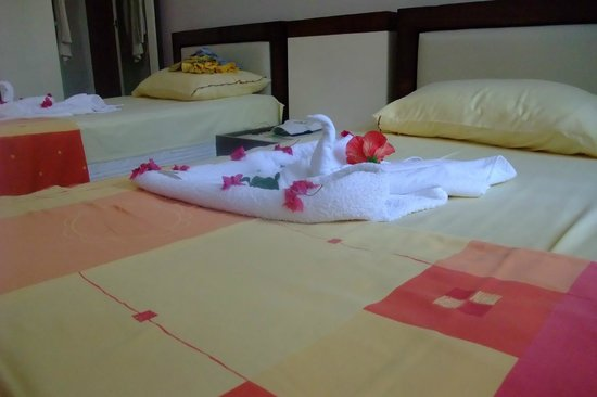 Sunset Beach Apartments : Спальня с раздельными кроватями