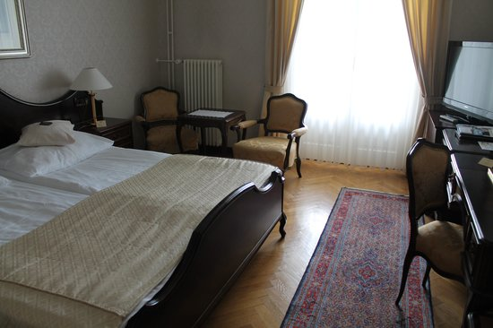 Grand Hotel Toplice: Our Bedroom