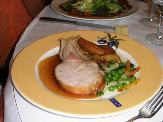 Brasserie Le Sud : Bistecca di maiale con patate al forno e verdure