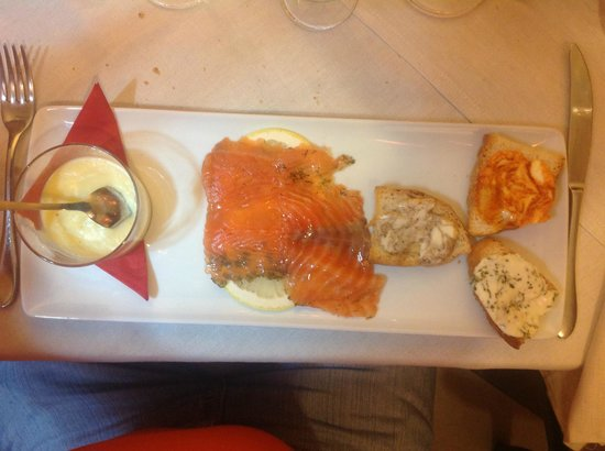 Pizzeria Mum and Dad : Salmone selvaggio ai burri aromatici