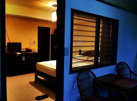 Blue Ribbon Dive Resort: room 11