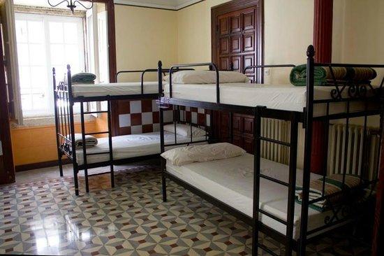 Albergue Don Alvaro: habitación 1, con aseo y ducha, 8 plazas