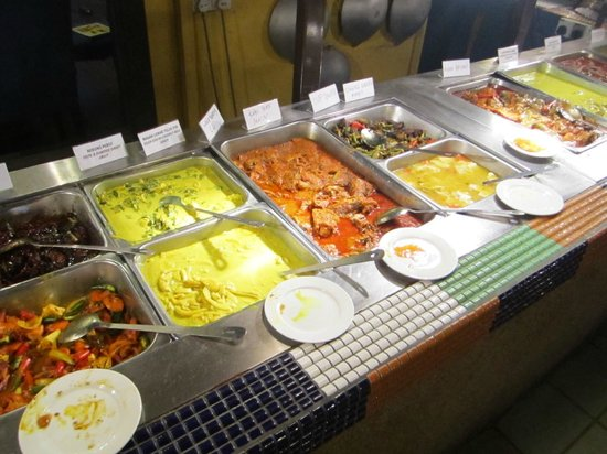 Restoran Rebung Chef Ismail: Selection of dishes served in a buffet style