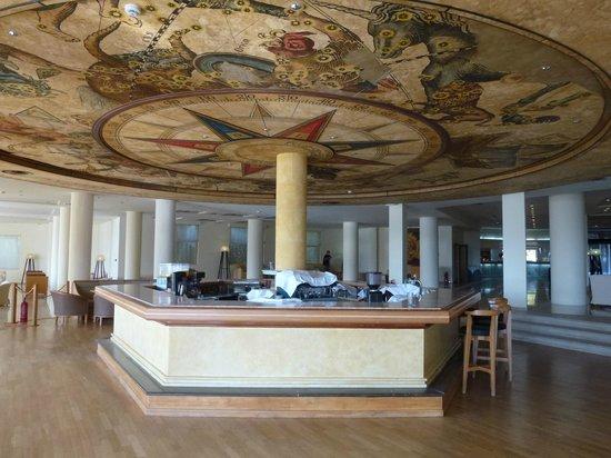 Grecotel Rhodos Royal: Bar de L'hôtel