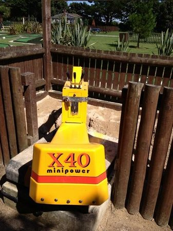 Monkey Tree Holiday Park: diggers out of order