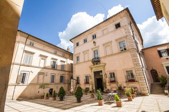 Antica Dimora alla Rocca: Esterno dei due edifici Palazzo Urighi e Palazzo Valenti