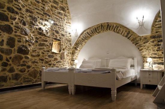 Medieval suite (73536595)