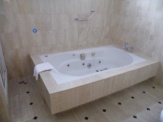 Tryp Madrid Getafe Los Angeles Hotel: Suite 206