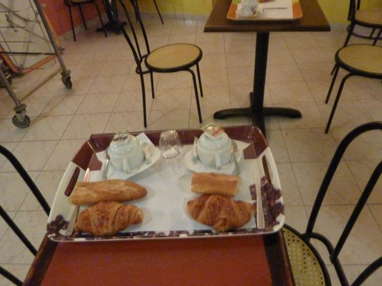 Hotel Saint Gothard: Breakfast