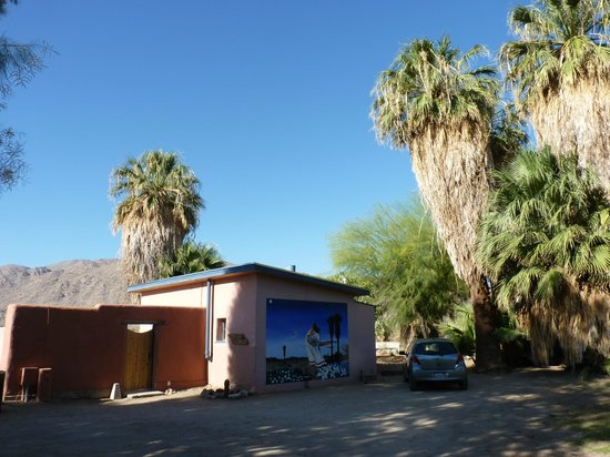 29 Palms Inn : one of the suites near the Oasis and central area.