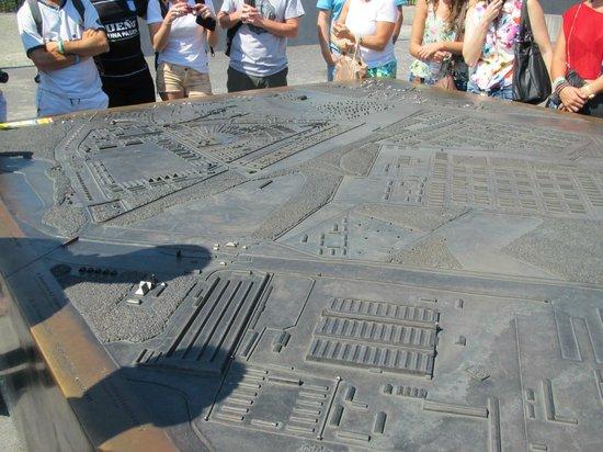 Viva Berlin By Insider Tour: Mapa de Sachsenhausen, en la entrada del recinto