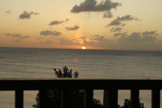 Calabash Cove Resort and Spa: Beautiful sunset