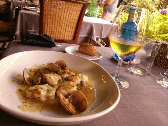 Restaurante Otzarreta: Rape en salsa verde con almejas