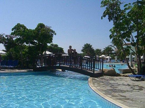 Avanti Holiday Village: Village Pool Bridge