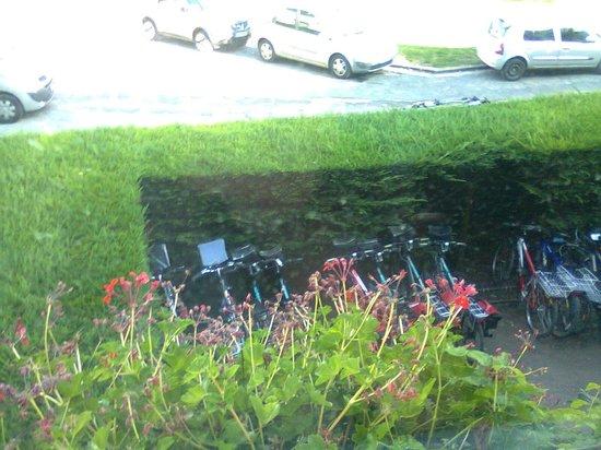 Hotel Anne De Bretagne: Parking à Vélo