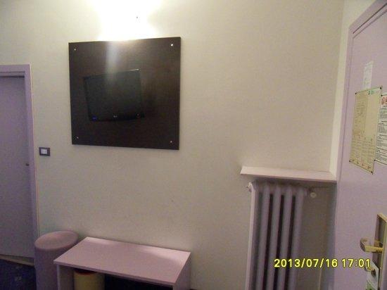 Ibis Styles Torino Porta Nuova : A View Of The Room