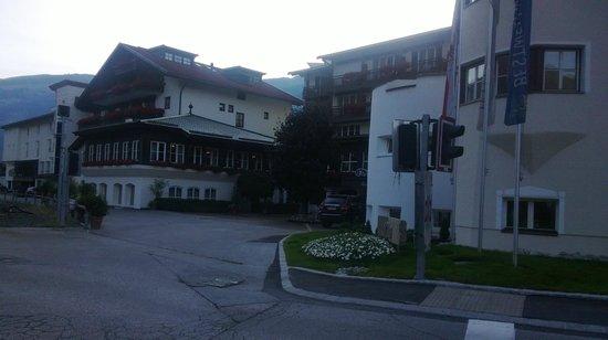 THERESA Wellness Geniesser Hotel : piazzale esterno Hotel