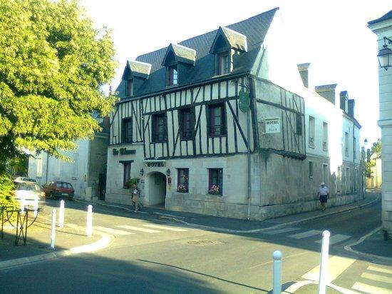 Hotel Le Blason: Hotel vu de loin