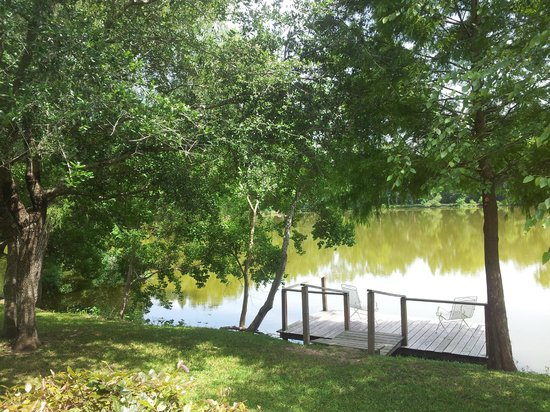Cajun Country Cottages Bed and Breakfast : Our private dock