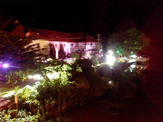 Loboc Rioverview Restaurant: Вид на ресторан
