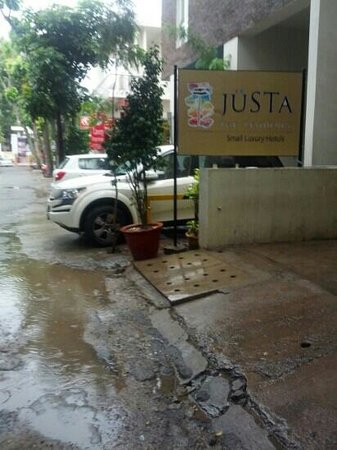 juSTa MG Road, Bangalore: entrance