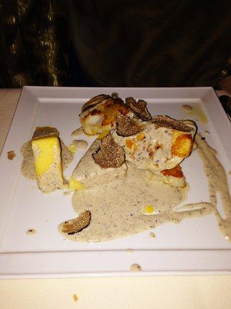 Santa Croce : Filetto di rospo con salsa al tartufo