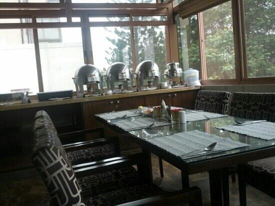 juSTa MG Road, Bangalore: small restaurant