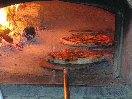 Residenza Lombardi: homemade pizza