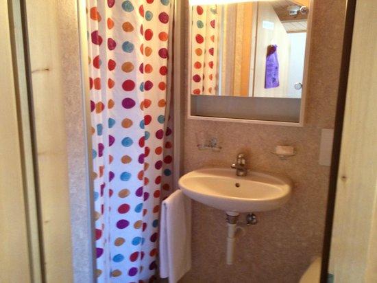Hotel Rugenpark B&B: Salle de bain