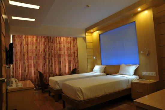 Interior - Emarald Hotel Photo