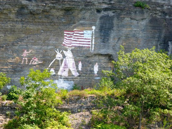 Seneca Sailing Adventures: Art on the cliff wall