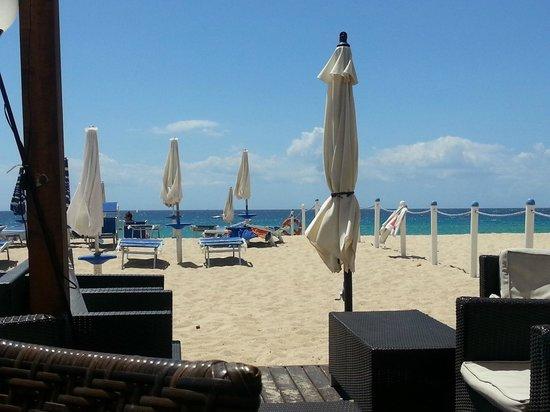 Hotel via del mare : Spiaggia attrezzata convenzionata