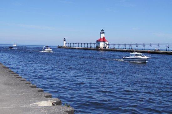 Silver Beach County Park: Lake Michigan