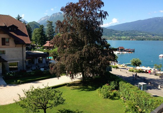 Le Cottage Bise : View from our bedroom over Lake Annecy