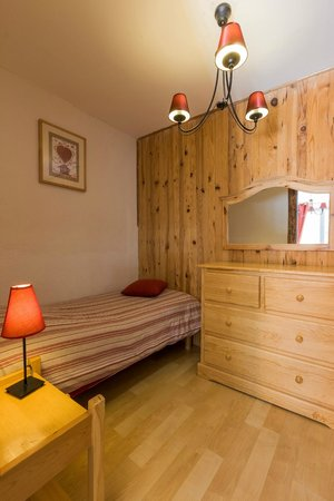 Hotel Restaurant La Source : chambre petite suite