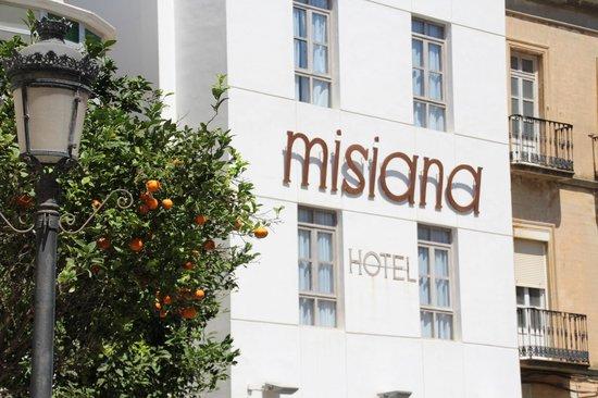 Hotel Misiana: Front of the Hotel