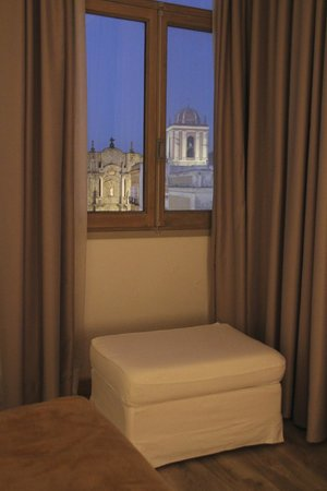 Hotel Misiana: The view from the bed....like a paint! ;-)