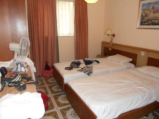 Sundown Court Leisure Resort: Camera 1